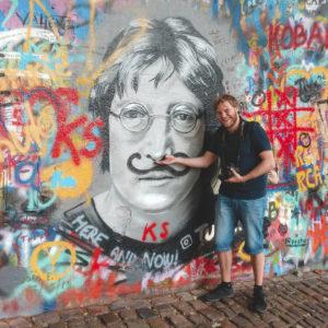 Christian al muro di John Lennon
