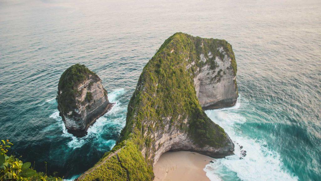 Kelinking Beach. La spiaggia più instagrammabile di Nusa Penida