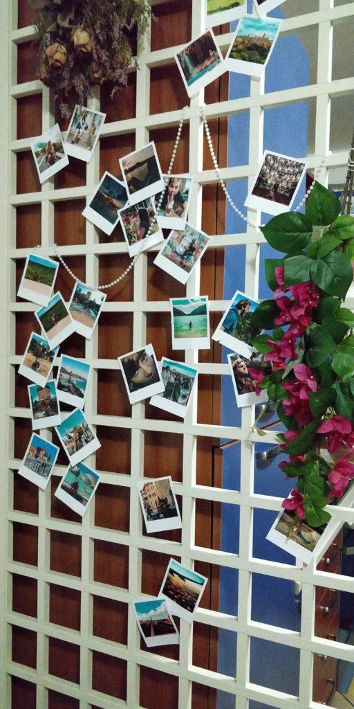 come arredare a tema viaggio con polaroid