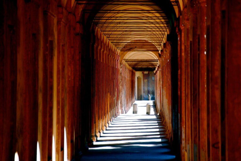 Portico di San Luca curiosità Emilia Romagna